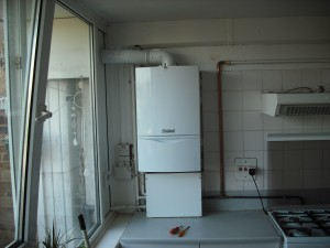 Landlord Boiler Cover >> 2nd Vaillant boiler in Peckham apartment - Hot Water and Central Heating