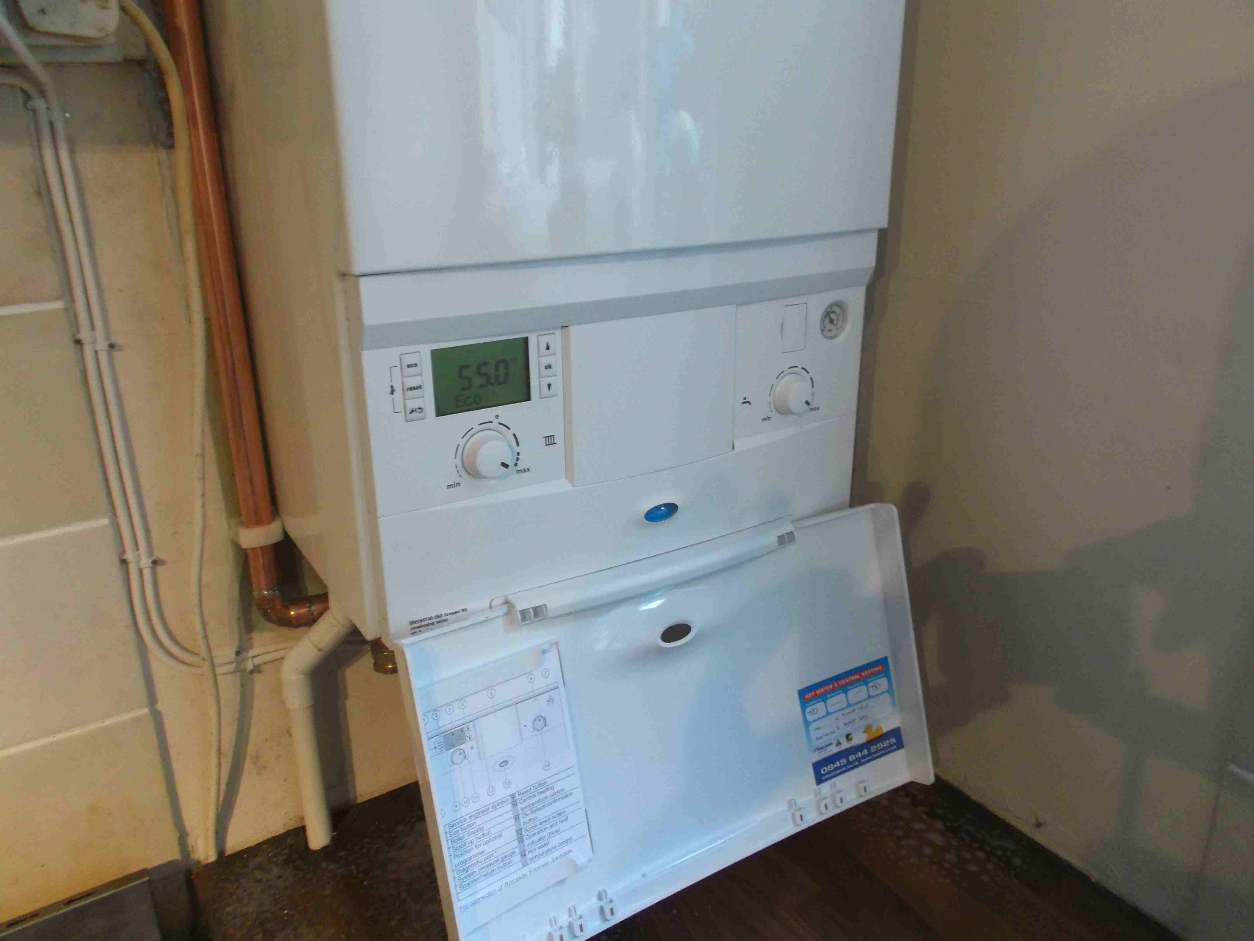New 2013 Worcester-Bosch 25Si Compact - Hot Water and Central Heating